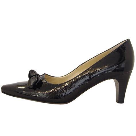 kaiser leola black crackle patent mid heel court