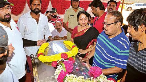 kannada film actor kashinath family actor kashinath passes away at 67 film stars fans