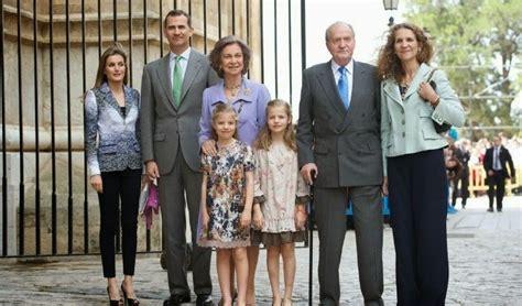 royal family spanish royals spanish royal family at easter mass in palma seemallorca com