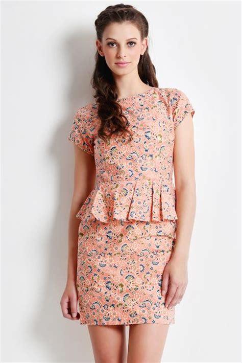 Dress Batik Genthong Broklat 25 best ideas about modern batik dress on batik dress model dress batik and batik