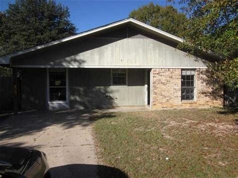 houses for sale in monroe la 131 wilson dr west monroe louisiana 71291 detailed property info reo properties