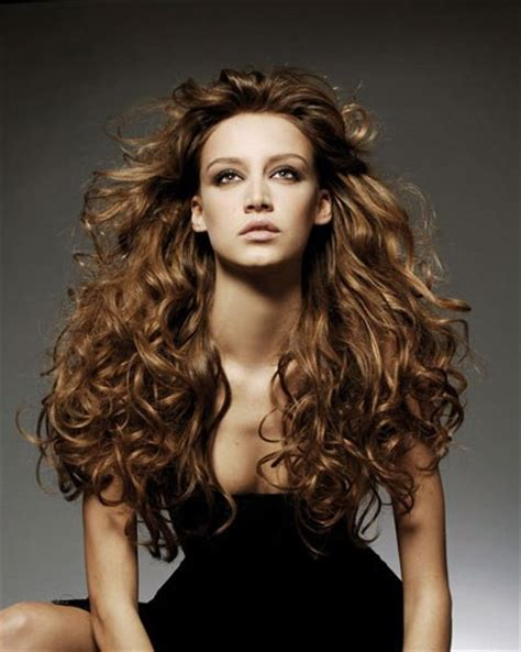 full volume curls hairstyle queen of heart girls photos hairstyles for beautiful
