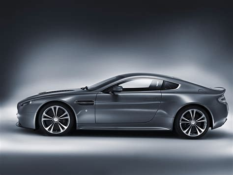 2010 Aston Martin by Aston Martin V12 Vantage 2010