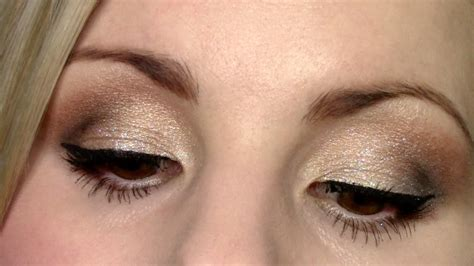 comfort zone tutorial eyeshadow tutorial glittery gold wet n wild comfort zone