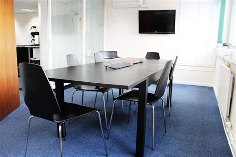 Office Desk Rental Serviced Office Space Desk Rental In Business Hub Environment In Redhill Surrey 163 46 Per Week