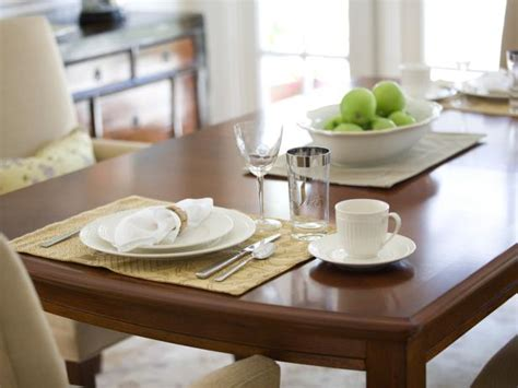 how to refinish a dining table picture of how to refinish a dining table