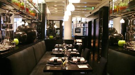 la cuisine de joel robuchon la cuisine table seating picture of l atelier de joel