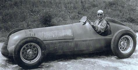 Kfz Versicherung Kündigen Im Ersten Jahr by Alfa Romeo Zeigt Die Ersten Beiden Formel 1