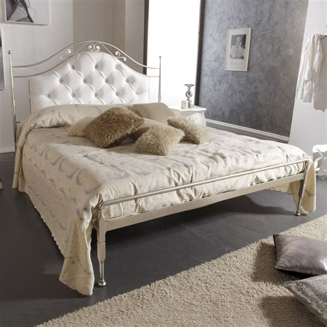 Upholstered iron double bed Gracie, handmade in Italy