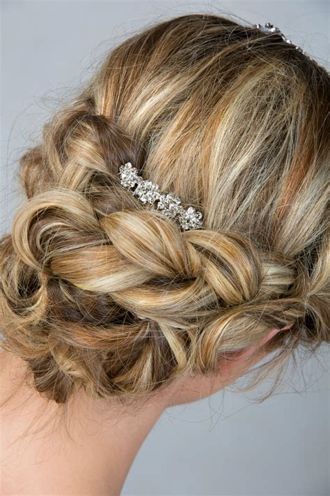 wedding hairstyles youll absolutely    mom