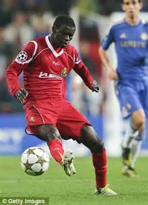 chelsea adu john terry talks to nordsjaelland midfielder enoch adu for