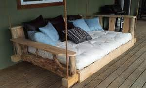Swinging Bench Enjoy With Pallet Porch Swing In Leisure Time 101 Pallets