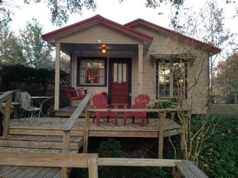 Cajun Cottages by 301 Moved Permanently