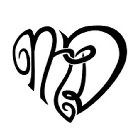 tatuaggi a forma di cuore con lettere of of m d letters indissoluble union