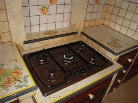 piastrelle per piano cucina muratura piani per cucine in muratura finest piastrelle per cucine