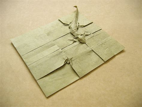Complicated Origami - geckos and fly origami