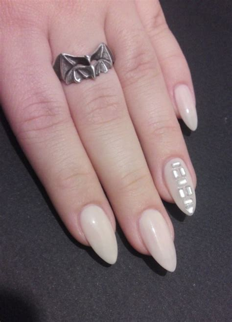 almond nails look of almond nails and 10 pretty fingers a topnotch wordpress com site