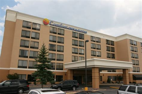 Comfort Inn Suites Hotel Reviews Deals Watertown