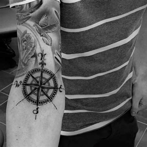 tattoo motive kompass tattoo motive coole ideen fuer