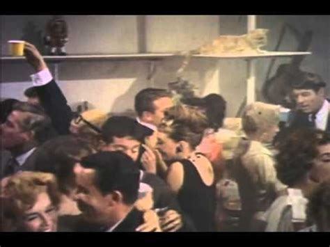 Breakfast At Tiffanys 1961 Review And Trailer by Breakfast At S Trailer 1961