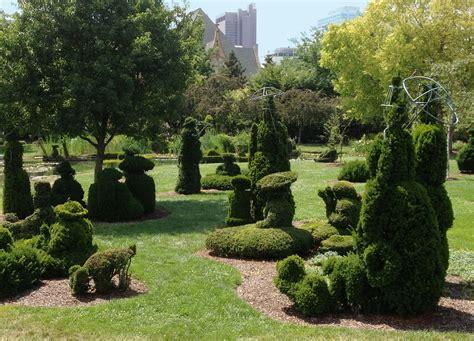 topiary park columbus ohio entertaining views from cincinnati topiary park taking