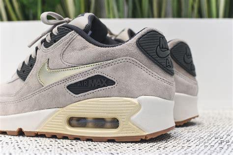 Sepatu Nike Air 4 Royalty Premium Quality nike air max 90 beige suede