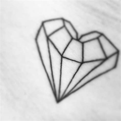 tattoo diamond drawing diamond heart tattoo tattooing pinterest
