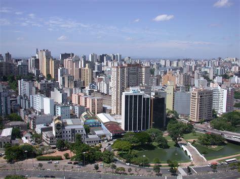 porto alegre brasile file porto alegre skyline jpg wikimedia commons