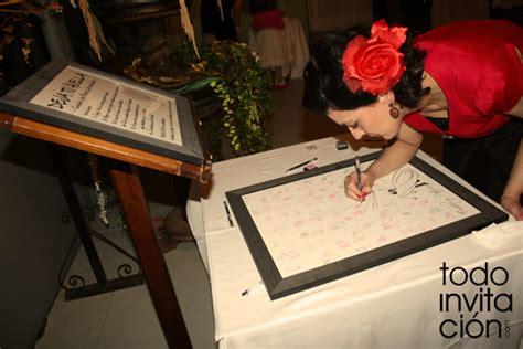 cuadro de firmas para boda el libro de firmas para bodas 7 alternativas originales