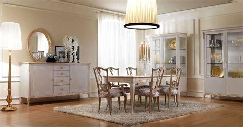 credenze classiche vendita on line sedia in stile classico in legno con seduta imbottita