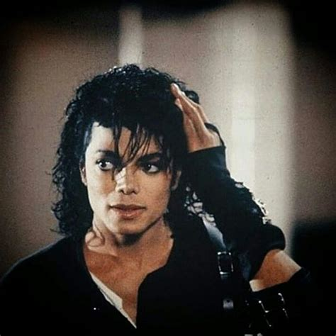michael jacksons hairstyle michael jackson fashion hair trends according to year