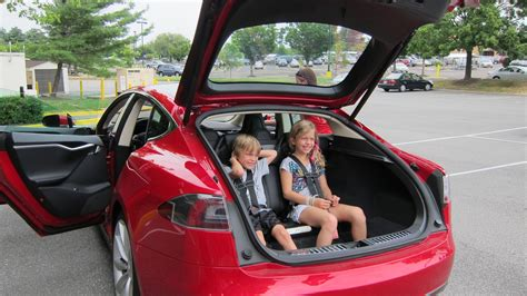 Tesla Rear Seats Tesla Model S With 5 2 Seating 2 Rear Facing Seats