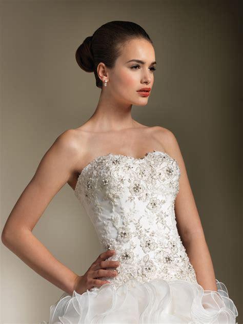 wedding dress beading how to bead a wedding dress weddingwoow