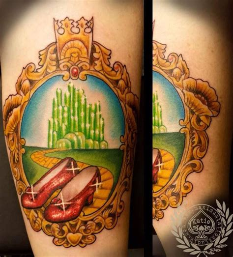 oz tattoo wizard of oz the frame has poppies glinda s