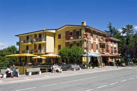 Di Montagna by San Zeno Di Montagna Hotel Costabella Lago Di Garda