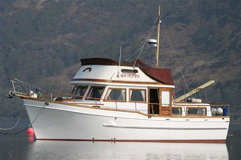 universal marine pacific 38 trawler yacht not for sale - Boat Sales Universal Marina