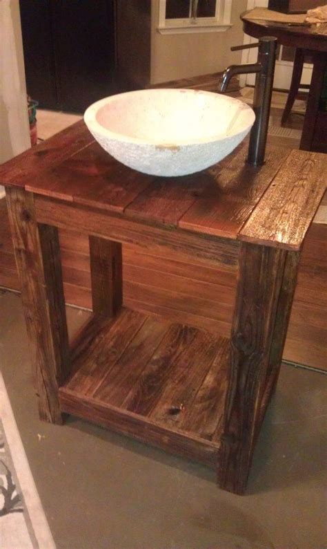 1000 ideas about pallet vanity on pallets