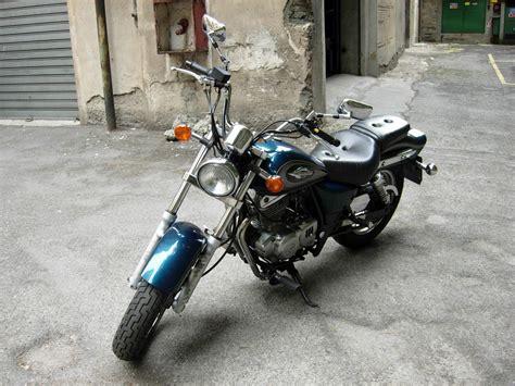 2003 Suzuki Gz250 Review 2003 Suzuki Gz250 Moto Zombdrive