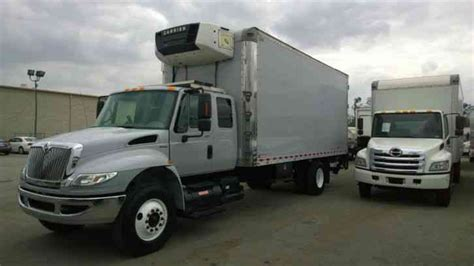 Box Truck With Sleeper by International 4400 Cab Sleeper 22ft Box Truck Al