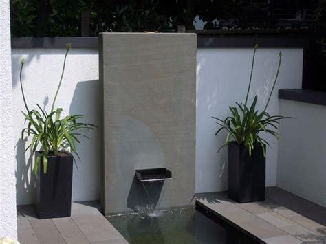 moderne brunnen brunnen wasserbecken schwimmteiche modern garten