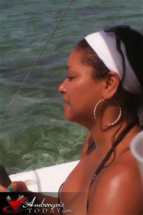 boat names with jones actress tamala jones vacations in san pedro belize