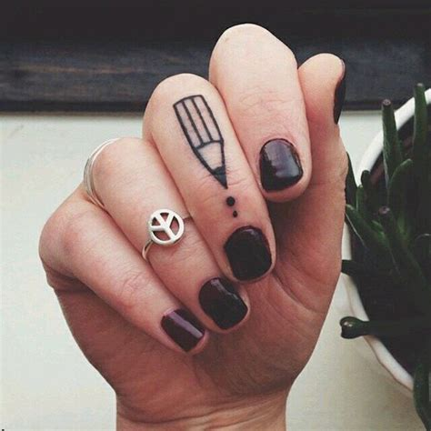 imagenes a lapiz de tattos tatuajes en los dedos m 225 s de 300 ideas de tatuajes de dedos