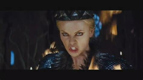 film evil queen snow white and the huntsman trailer the lady in waiting