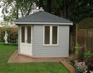 weybourne summerhouse in berkshire free delivery