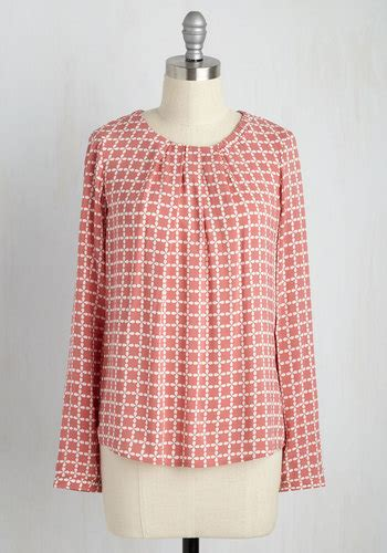 Office Hours Shirt office hours haute top in dusty mod retro vintage