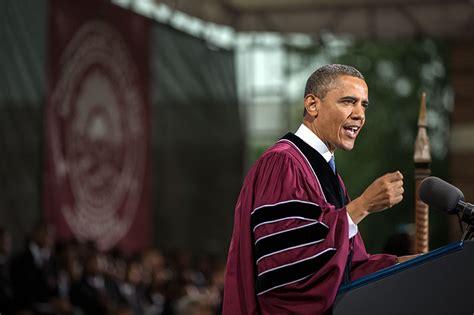 barack obama biography college president obama delivers the commencement address at