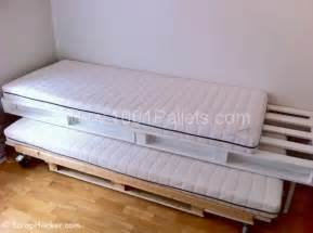 Trundle Bed Covers Diy Pallet Sofa Amp Bunk Bed Pallet Ideas 1001 Pallets
