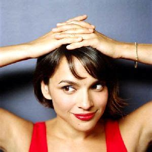 norah jones singer norah jones the fall naku yoru diary
