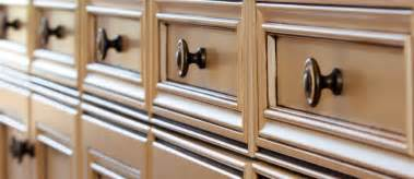 kitchen cabinet knobs pulls and handles kitchen saver