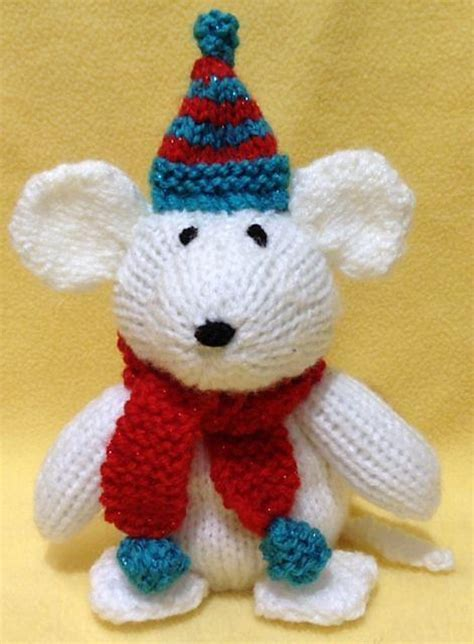 knitting pattern christmas mouse morris the christmas mouse choc orange cover toy